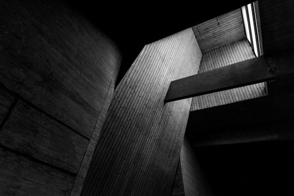Eglise de St Pierre du Rondeaux architecture Louise Michel Grenoble l'aigle Baptiste Gamby Photographe spécialisé Architecture Auvergne-Rhône-Alpes